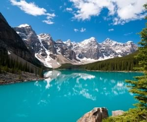 lake louis in canada