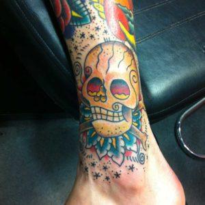 skull and crossbones tattoo